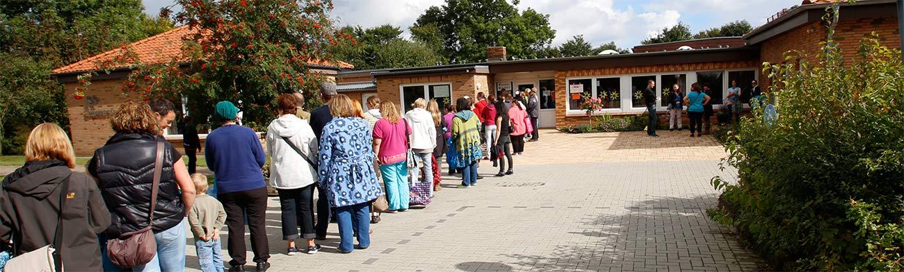 Kleidermarkt im Kindergarten Langballig